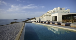 White Coast Pool Suites wins praise from Forbes and Vanity Fair