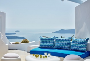 Astra Suites: Special offer for a luxury stay in Santorini