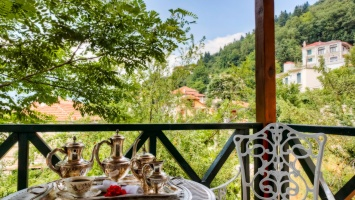 A fairytale hotel in Karpenisi to visit on Clean Monday