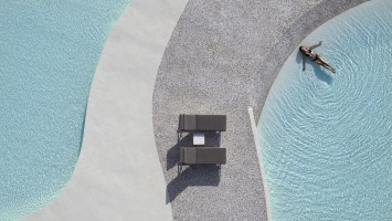 Voyage de Luxe: Top French Tourism Magazine Glorifies Summer Senses Luxury Resort