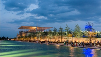 August nights in Athens with music and open air cinema at the SNFCC