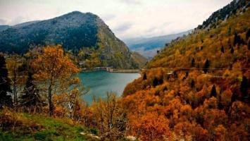 Ασύλληπτη φύση σε 8 απίστευτα τοπία της Ελλάδας που θα σας ταξιδέψουν