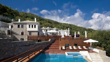 12 Months Luxury Resort: September in the nature of Pelio with spa & dinner