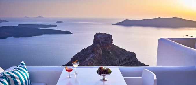 Romantic October getaway to Imerovigli, Santorini