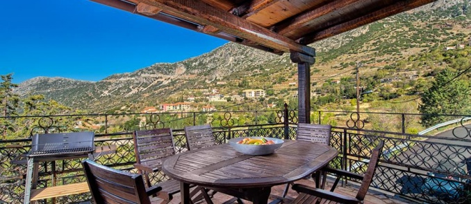 The perfect chalets to escape in the heart of Parnassus mountain