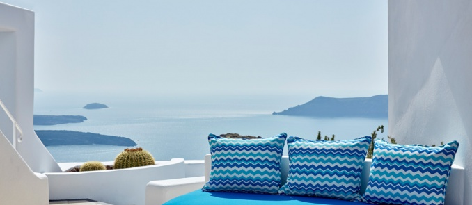 Last minute October getaway to the most romantic hotel in Santorini