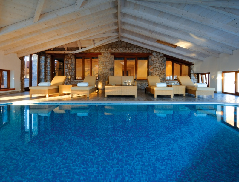4 mountain boutique hotels with indoor heated pools in for Boutique hotel resort
