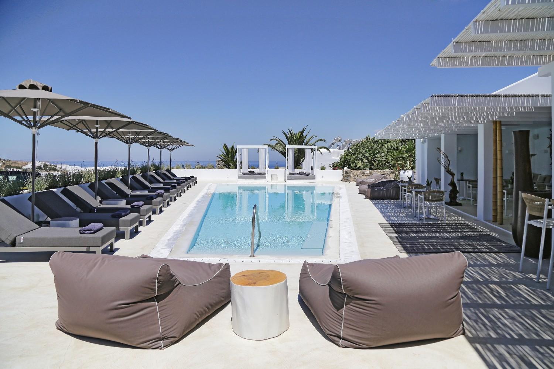 Livin mykonos mykonos tr sor hotels resorts for Design boutique hotel mykonos